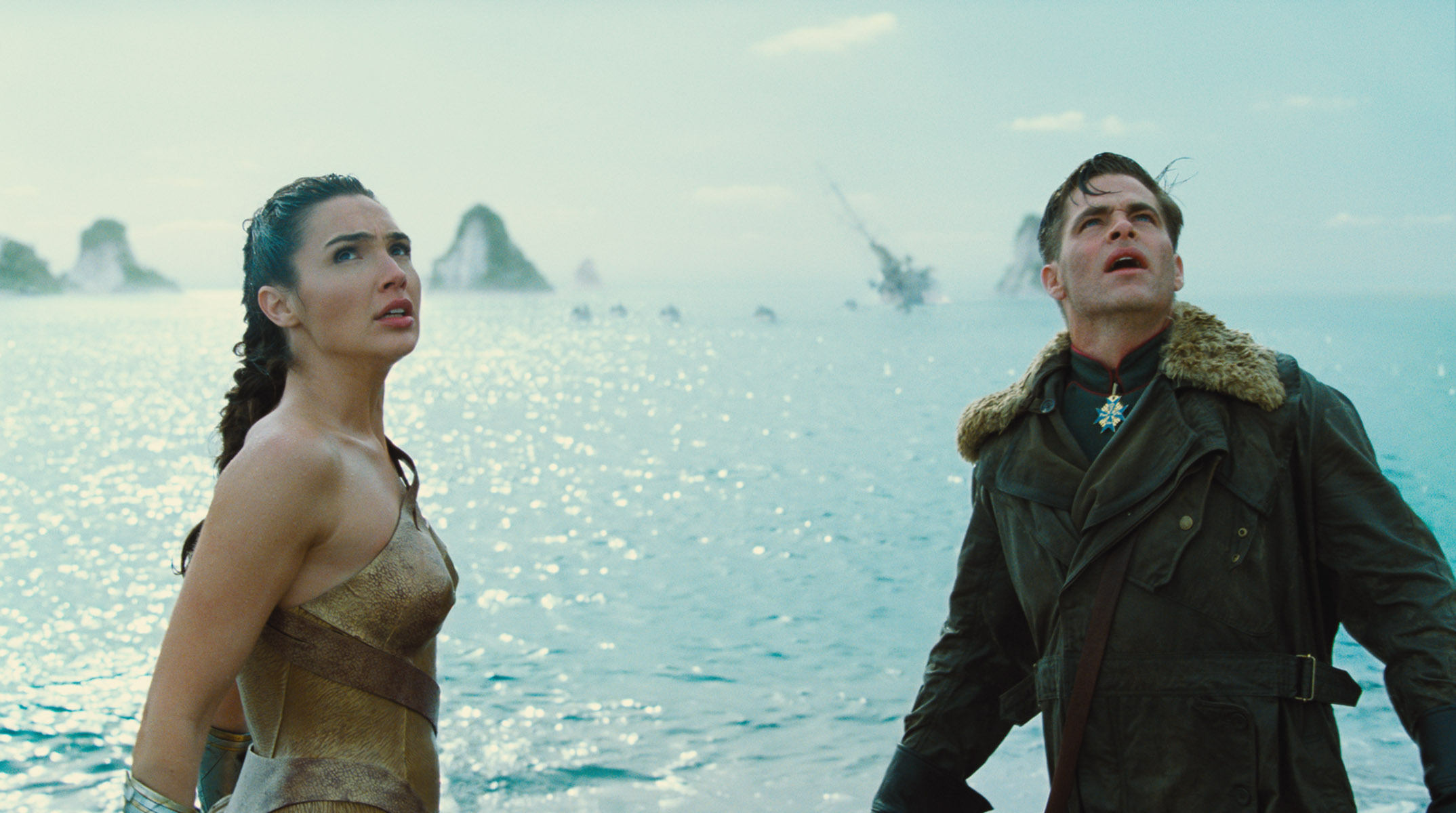 Wonder Woman: New Photos Of Gal Gadot And Chris Pine In