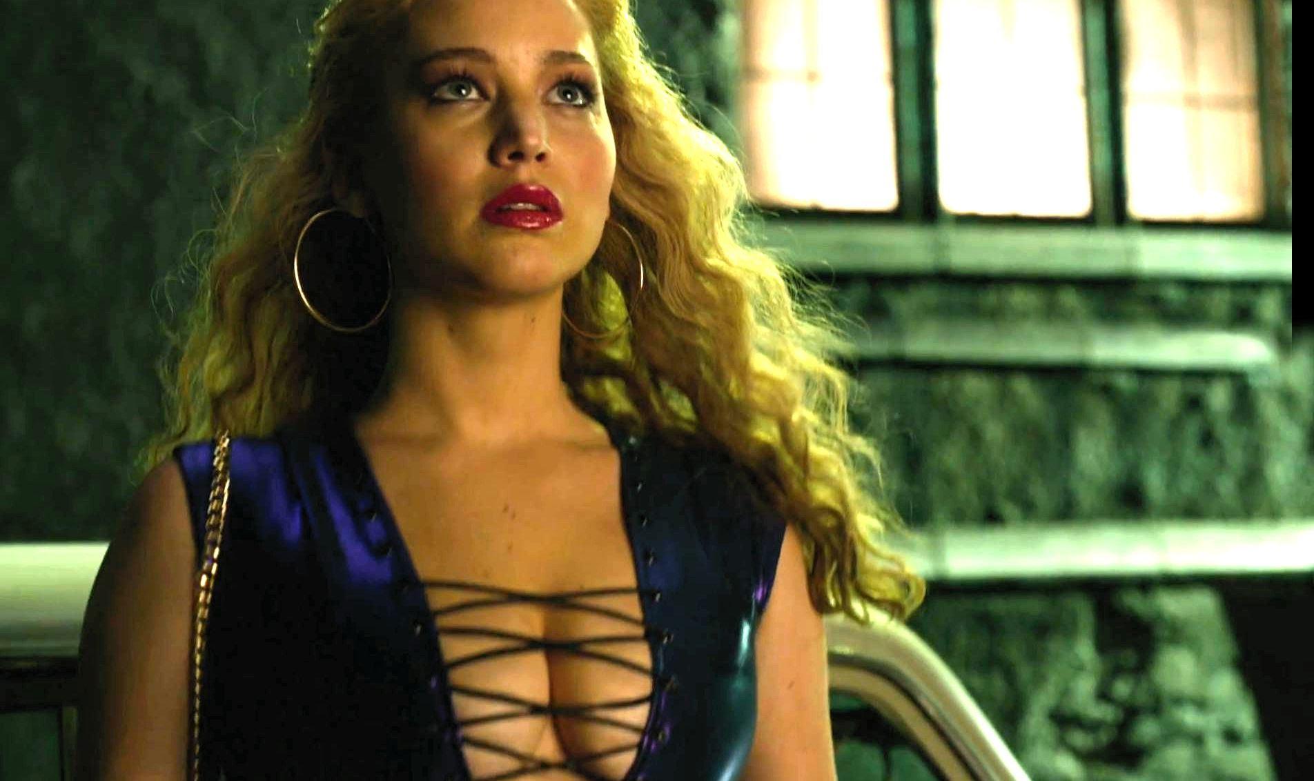 X-Men Star Jennifer Lawrence Brings Smiles At Norton